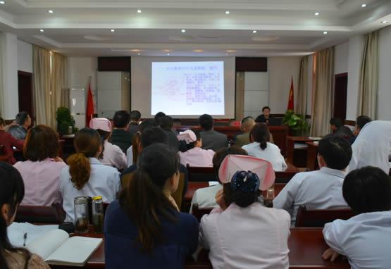 4月24日,县中医院在白鹤镇卫生院举办乡村医生中医药适宜技术